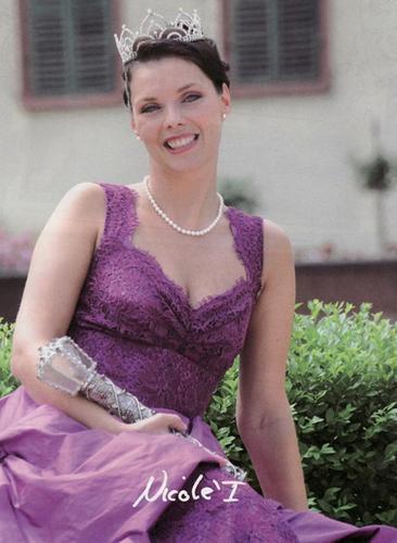 2010 Nicole I.